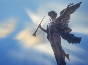 anjo-tocando-trombeta-a67f46